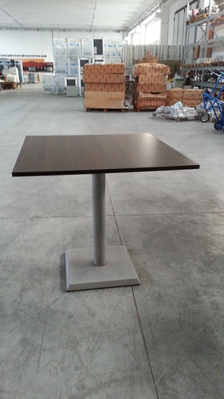Tavolo legno quadrato ar 278 09 usato - Tavolo quadrato legno ...