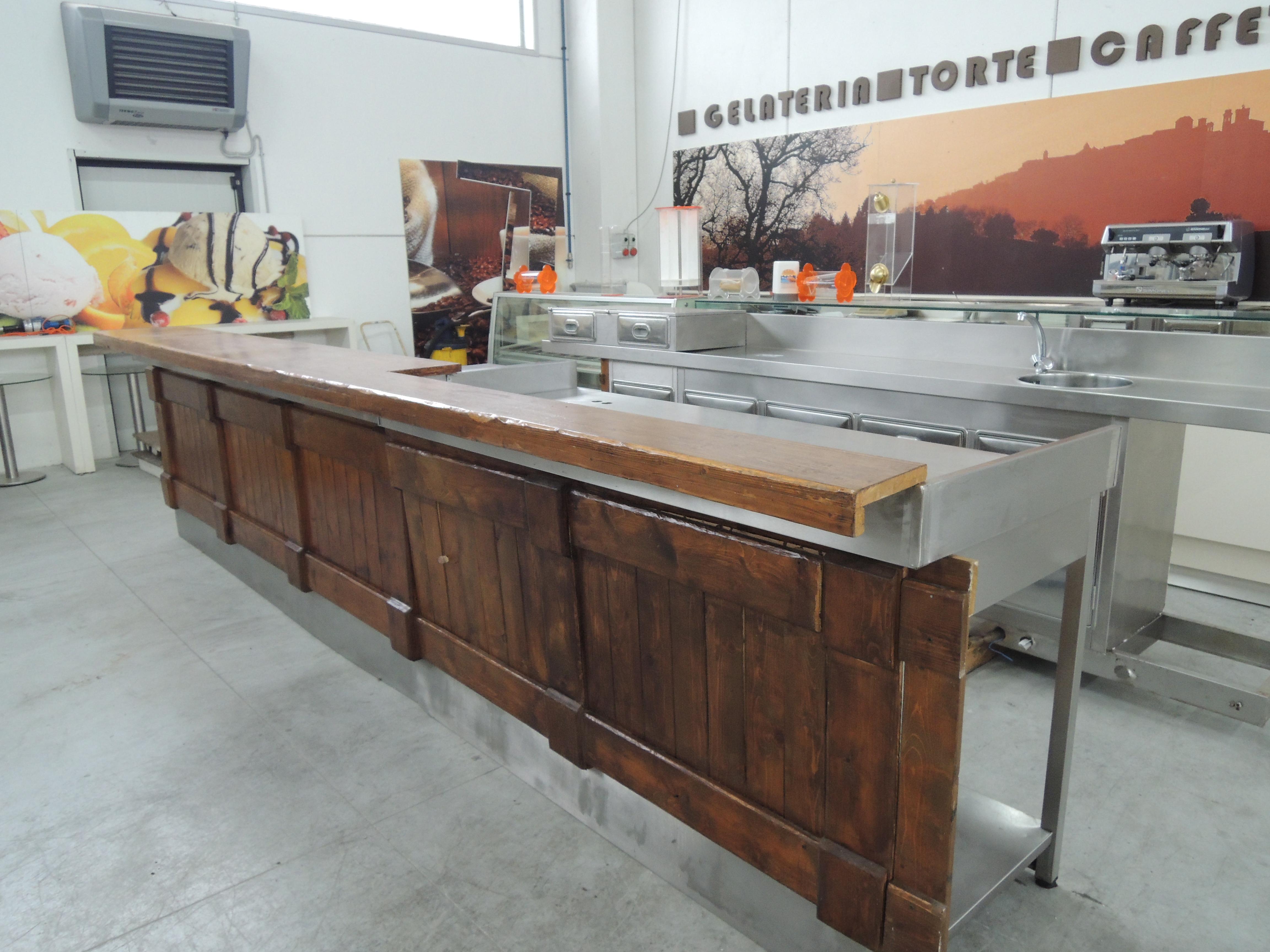 Bancone bar ar 310 02 vendita bancone bar usato for Ristrutturare bancone bar